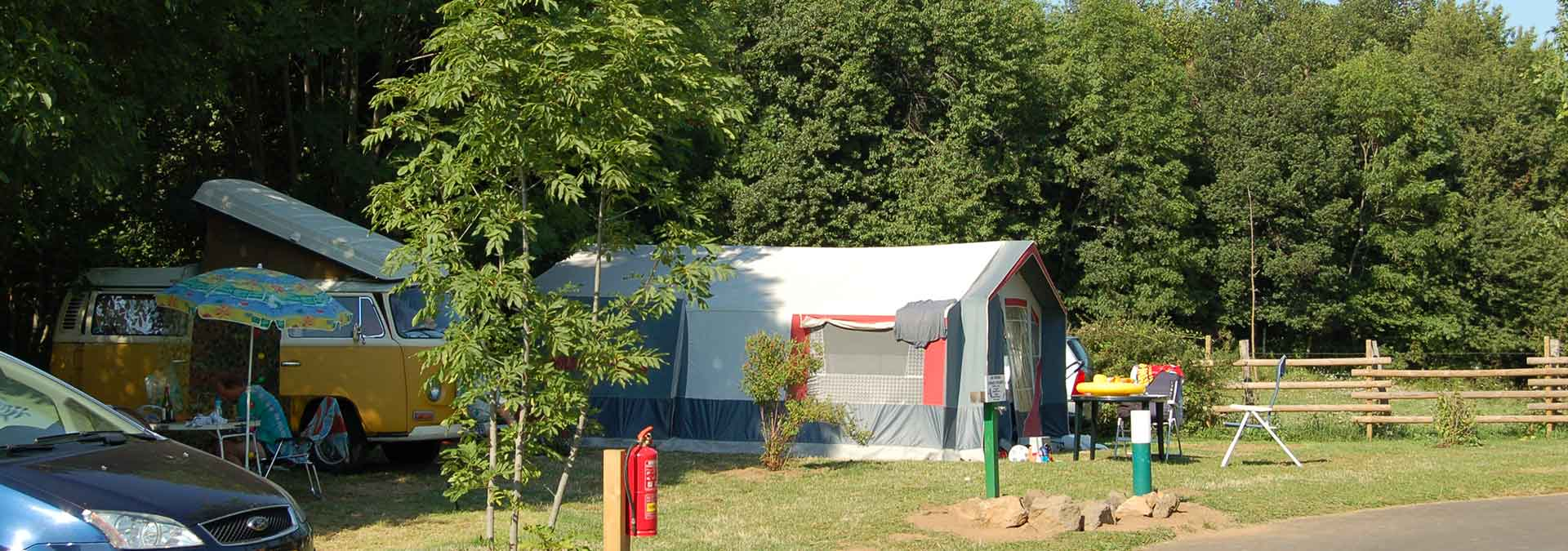 emplacement camping-car lac chambon