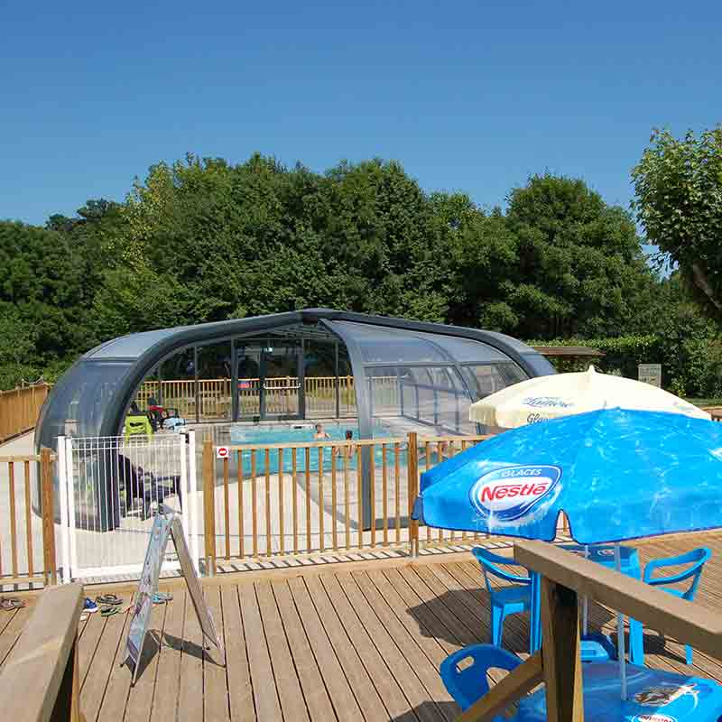 piscine couverte camping lac chambon