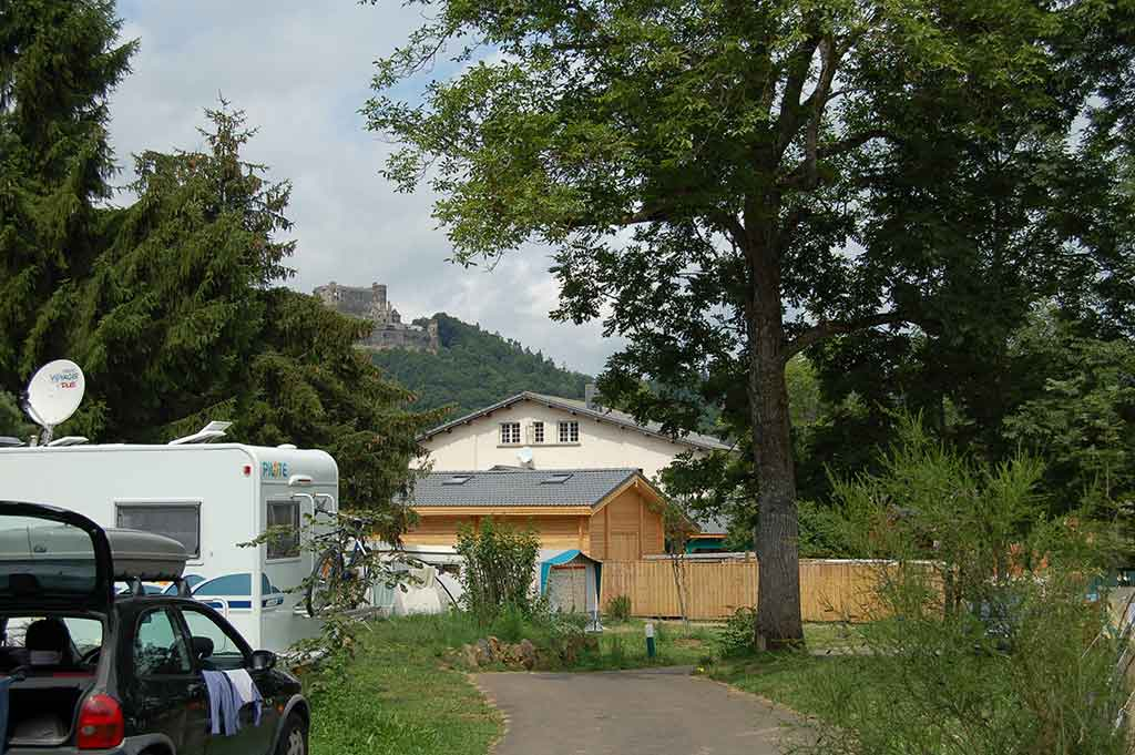 Emplacement camping-car Lac Chambon Murol